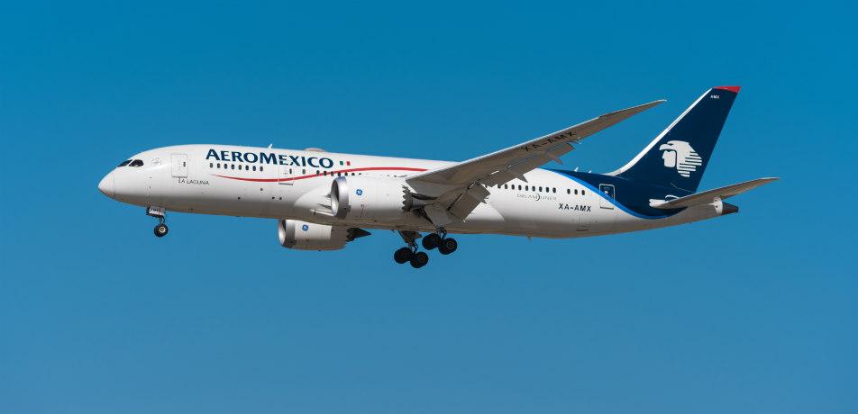 Aero Mexico airplane