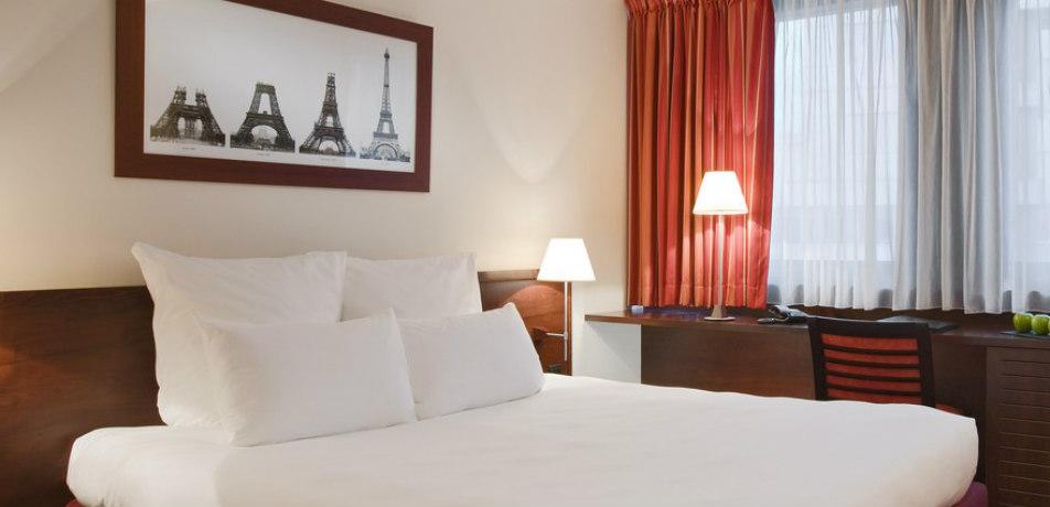 Hotel Concorde Montparnasse, Paris - guest room