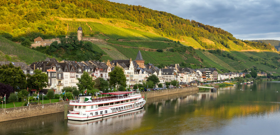 Cruise in the Mosel River