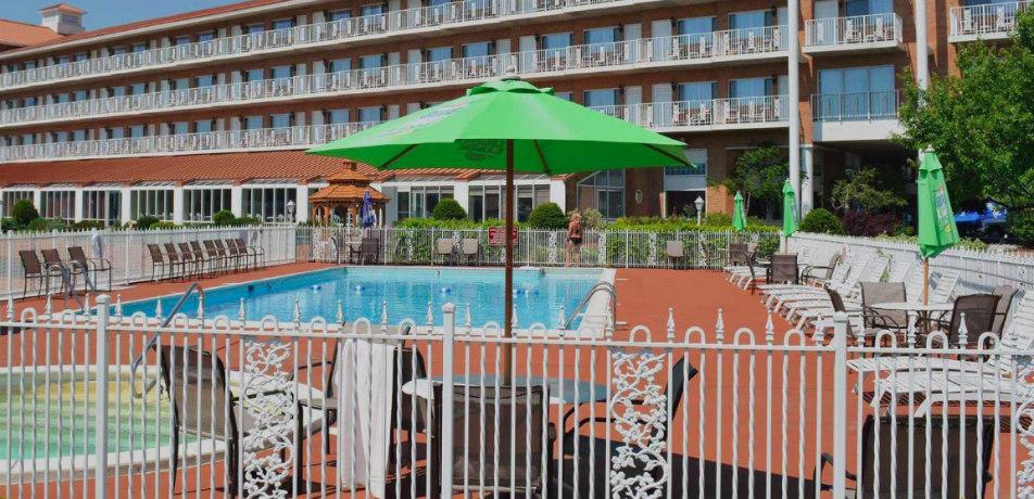 Riveredge Resort