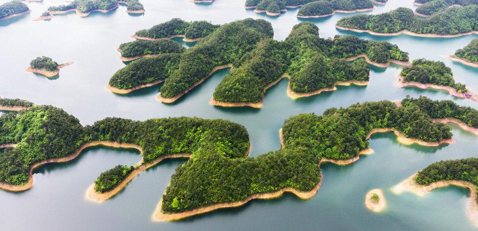 Thousand Island Lake, China