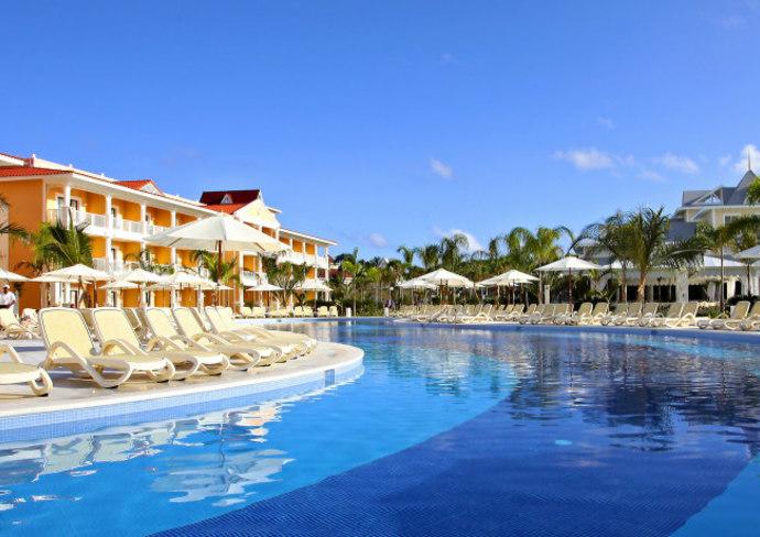Rendering of the pool at Grand Bahia Principe Aquamarine