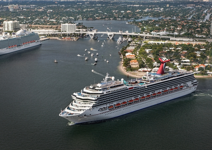 Carnival Conquest in Fort Lauderdale