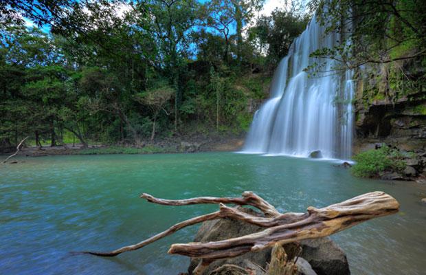 Llanos de Cortez Waterfall