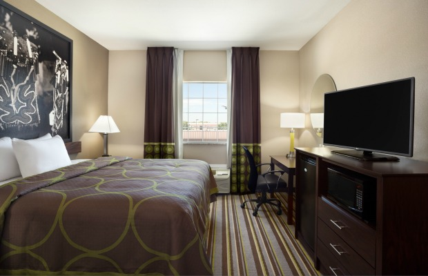 King room in Owasso, OK