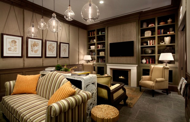 Library at Hotel Chandler