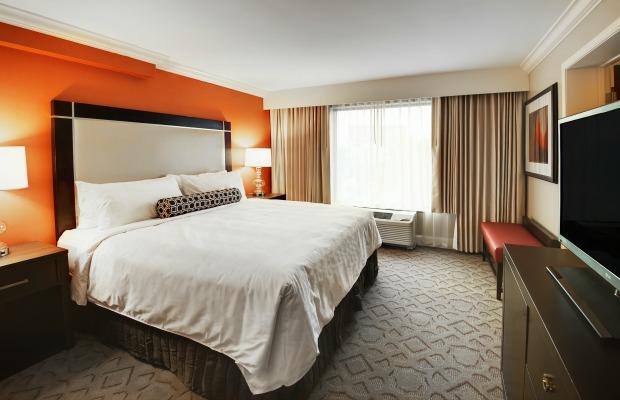 Room at Delta Orlando