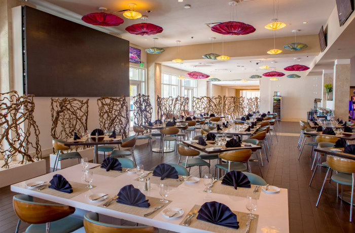Hemingway's at Resorts World Bimini